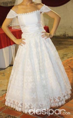 alquilo vestido de Ñanduti y otros para novia, quinceañera, cortejo