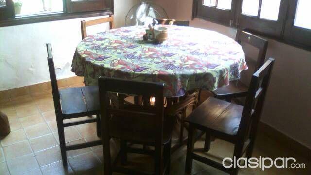 Oferta Comedor Mesa Redonda Con Cinco Sillas Usada | Clasipar.com en ...